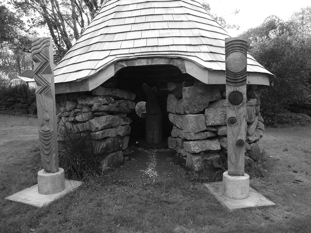 The Sculpture Hut at Salena Stamps
